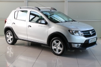 STEPWAY SIGNATURE 1.0 5DR....WITH ONLY 21,000 KLMS....CONTACT JOHN HERITY ON 086 0433341