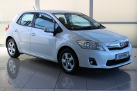 HYBRID 1.8 T4 CVT AUTO...WITH ONLY 132,000 KLMS